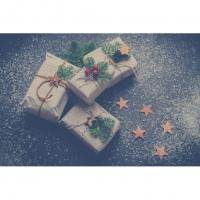 Crafting Christmas Gifts Image